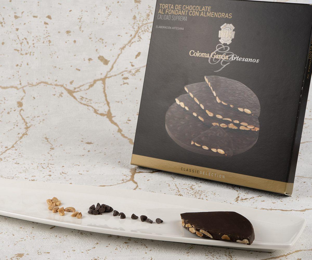 Torta Turrón al Chocolate Fondant con Almendras